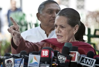 Make history with food security bill, says Sonia