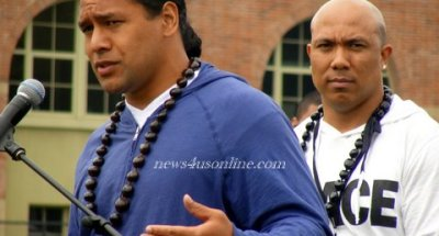 NFL Stars Troy Polamalu and Hines Ward of the Pittsburgh Steelers participate in the Native Hawaiian/Pacific Islander Health and Fitness Day at UCLA./Photo Credit: Dennis J. Freeman