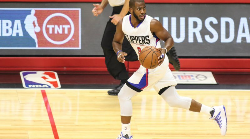 Chris Paul leading the way for the Clippers to cruise to an easy win against the Dallas Mavericks. Photo by Jevone Moore
