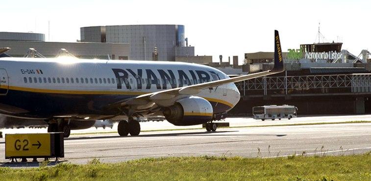 Ryanair Aero LIS