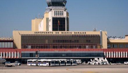 Aeropuerto_de_Madrid-Barajas_-_Exterior_02
