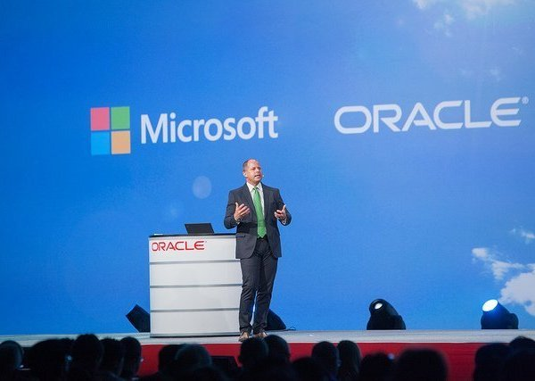 Microsoft vs Oracle