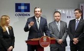 Gov. Garca-Padilla offers details of Coviden&#039;s expansion in Ponce. (Credit: La Fortaleza/Jorge Santiago-Rivera)