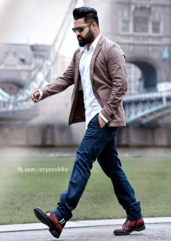 nannaku-prema-tho-NTR-walking-look