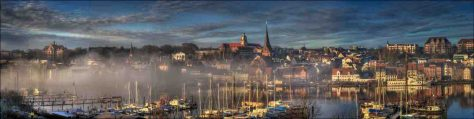 """4. Platz: Foto """"Hafen im Nebel """" von Volker Klau"""