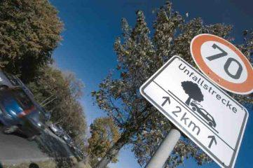Besonders groß bleibt das Risiko, tödlich zu verunglücken, auf Landstraßen. (Foto: DVR)