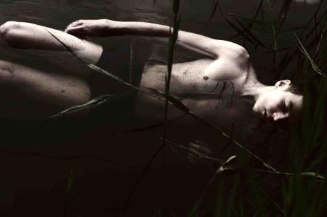 """""""Lost under water"""" von Tien Duc Pam kürte die Jury als bestes unter den von Jugendlichen eingereichten Schwarz-Weiß-Bildern. Foto: LWL / Pham"""