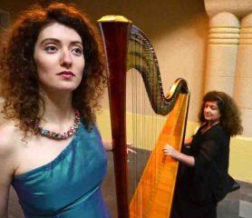 Die Sopranistin Sofia Falkovitch wird von Soryana Babyuk an der Harfe begleitet. Foto: S. Falkovitch