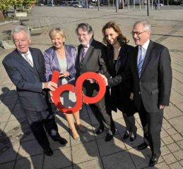 Feierten 60 Jahre Landschaftsverbände: (v.l.n.r.) Prof. Dr. Jürgen Wilhelm, Hannelore Kraft, Dieter Gebhard, Ulrike Lubek und Dr. Wolfgang Kirsch. Foto: LWL