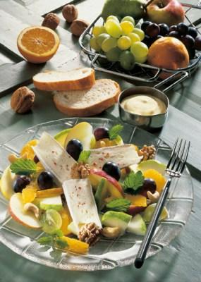 Fruchtiger Käsesalat  Foto: Wirths PR
