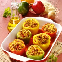 Gefüllte Paprika mit Tomatenreis & Hackfleisch (cholesterinarm)