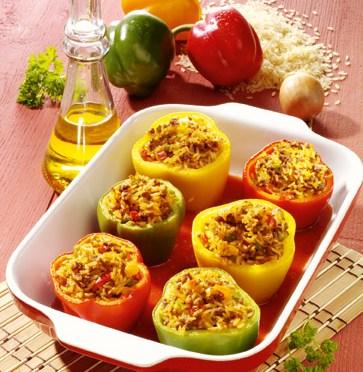 Gefüllte Paprika mit Tomatenreis & Hackfleisch (cholesterinarm) Foto: Wirths PR