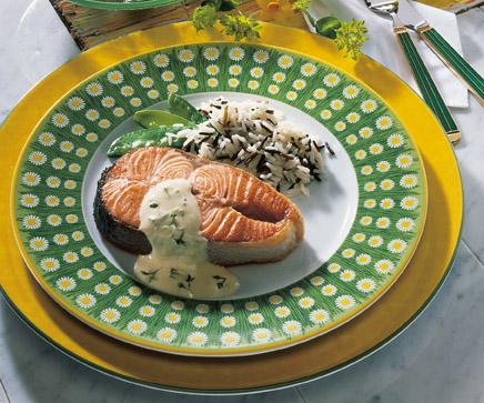 Lachskotelette mit Kresse-Sauce (cholesterinarm) Foto: Wirths PR