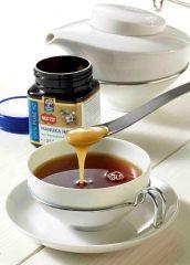 Süßen Sie Ihren Tee mit Manuka-Honig. © Neuseelandhaus.de / Wirths PR