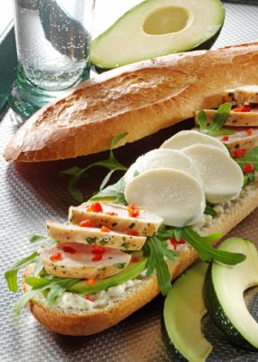 Käse Rezepte: Baguette mit Hähnchenfilet und Avocado