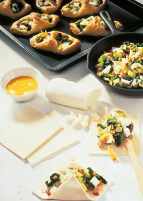 Käse Rezepte: Gefüllte Blätterteigtaschen Foto: Wirths PR