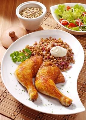 Diät-Rezept: Linsen mit Hähnchenschenkeln Foto: Wirths PR