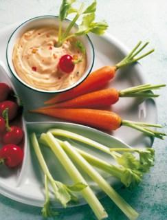 Diät-Rezept: Fitness-Teller mit Dip Foto: Wirths PR