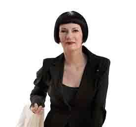 Suzanne Grieger-Langer ist Wirtschaftsprofilerin, Rednerin, Expertin für den Schutz vor Betrug in Unternehmen, Verlegerin, Hochschuldozentin, mehrfache Buchautorin und Ausnahmeunternehmerin