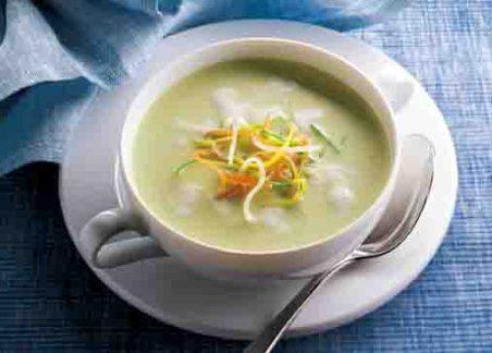 Kartoffelgerichte: Kartoffel-Suppe mit Lauch und Soja Foto: Hensel/Wirths PR