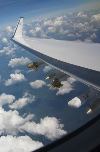 Unter den Tragflächen des Forschungsflugzeugs HALO befinden sich Sonden, um die Eigenschaften von Aerosolen und Wolkenteilchen zu bestimmen. Foto: Prof. Dr. Manfred Wendisch