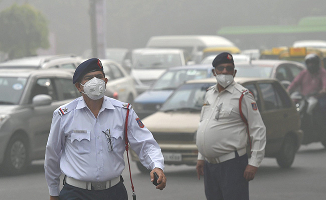 delhi-smog-pti_650x400_71510306197
