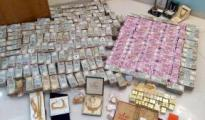 cash-jewellery-seized