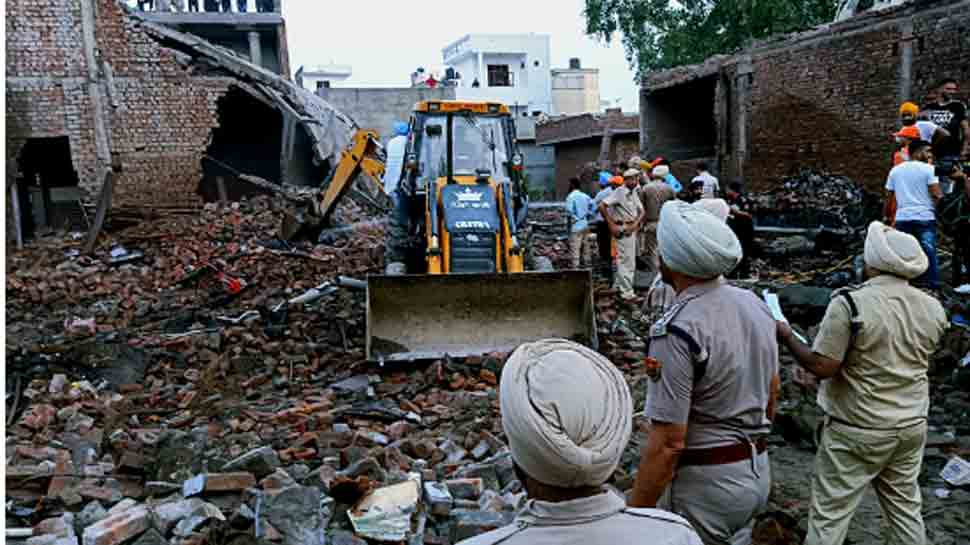 816392-gurdaspur-blast-punjab