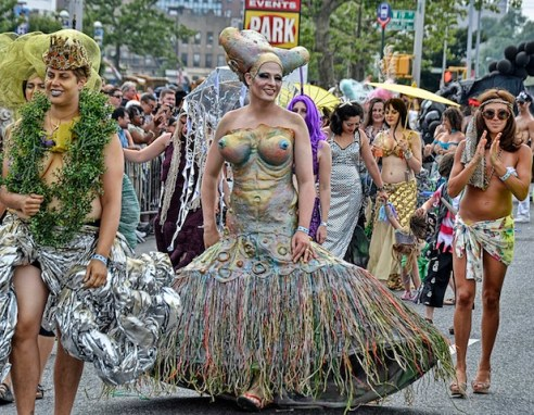 Mermaid-parade-2011_coney-island_new-york_untapped-cities