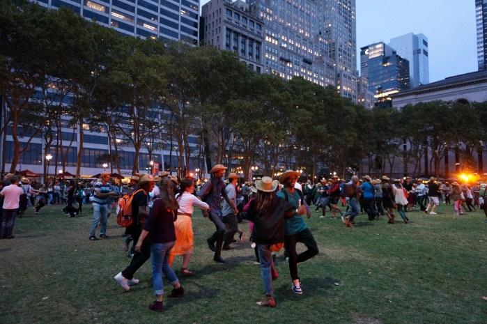 bryant-park-square-dance
