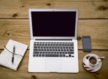 026 - laptop cafe - 10671320085_5bede45bc4_o_d
