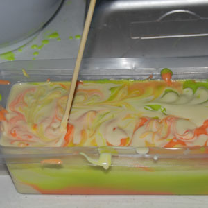 making tiger swirl soap