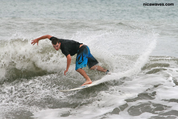 surf intern nicaragua