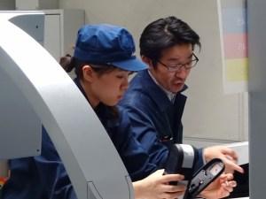 早瀬真夏(左)と大塚成二
