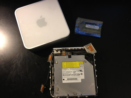 Mac Mini with the top case removed.