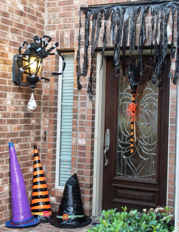 Cheap & Easy Halloween Craft: Martha Stewart's Witch's Curtains