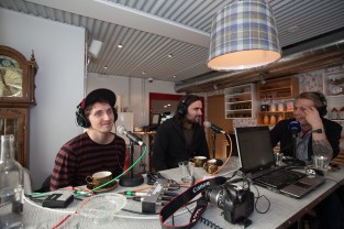 Kenny Vasoli & Reyka Rep Baddi being interviewed by Radio RÚV at Icelandair Hotel Reykjavik Marina