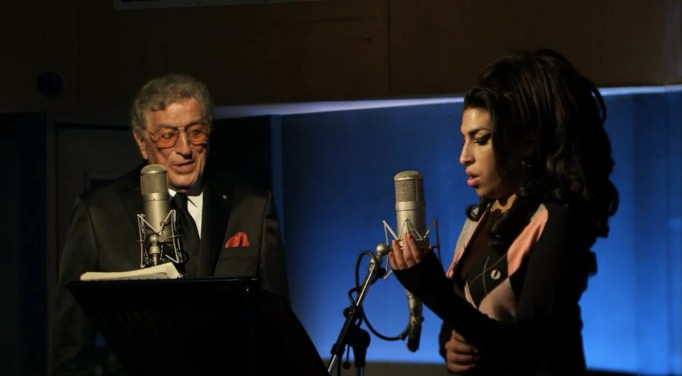 tony-bennett-admits-he-is-haunted-by-not-being-able-to-help-amy-winehouse-before-she-passed-away