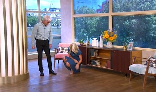 "Holly Willoughby Nearly ""Wets"" Herself Live On This Morning Before Downing Gin LIVE"