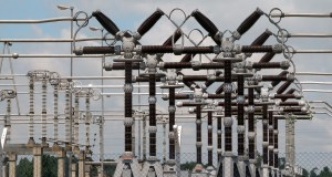 Lagos residents score PHCN and Fashola high in power supply