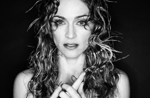 Madonna-Takes-a-Stab-at-Stand-Up-Comedy-FDRMX