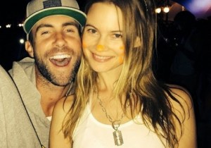 Adam-Levine-and-Behati-Prinsloo-460x468