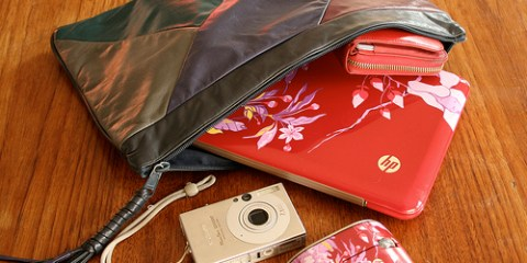 The HP Mini 1000 Vivienne Tam series complete with designer pouch