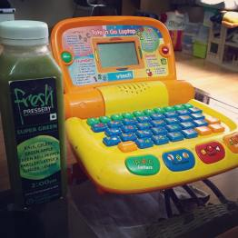 Gearing up for another round of #juicing with #freshpressery while I teach Piglet how to use his hand me down laptop from Snubnose #vtech #detox