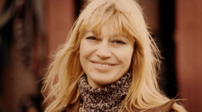 Mary Travers of Peter Paul and Mary dies of leukemia