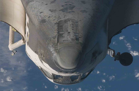 RPM Endeavour 450 Shuttle does back flip so ISS crew can inspect the heat shield photo