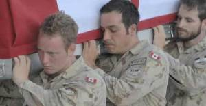 Canadian soldiers carry coffin of soldier killed in Afghanistan