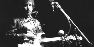Bob Dylan Newport Folk Festival (photo: Alice Ochs/Michael Ochs Archives/Getty Images)