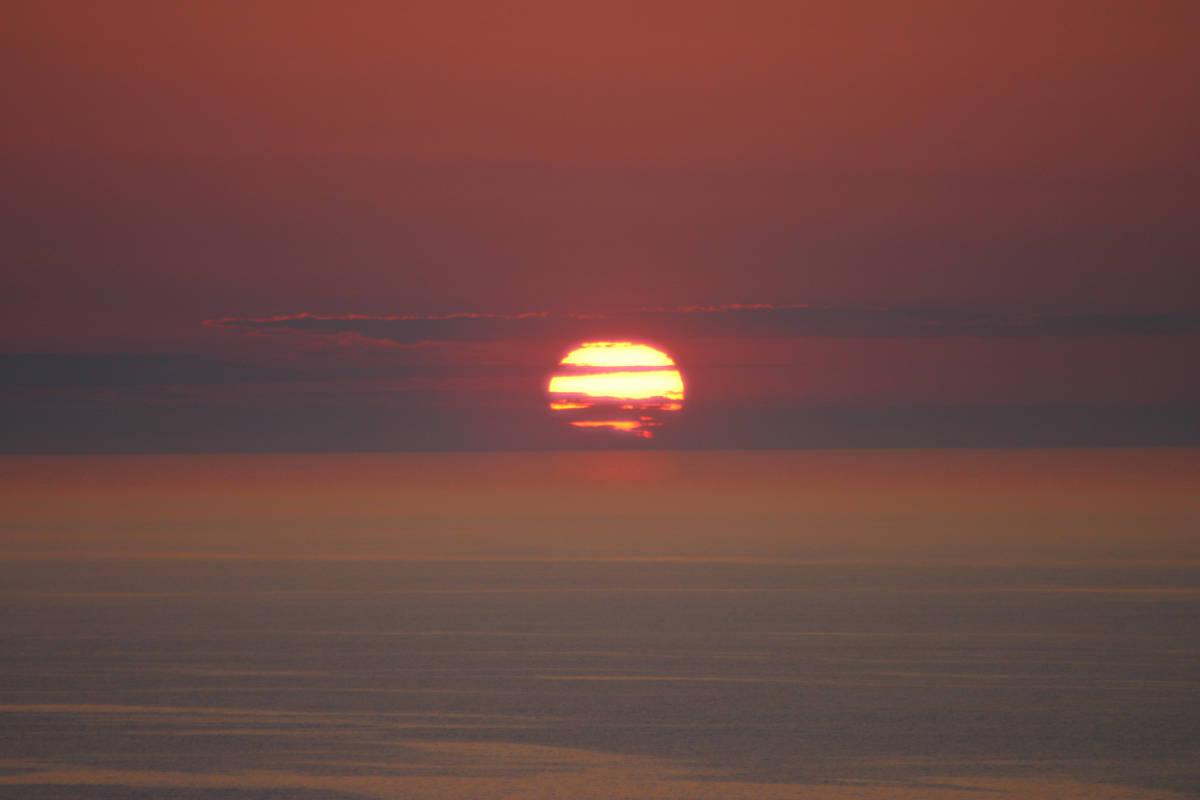 道東で2番目に綺麗な夕陽が見られる場所・斜里町ウトロ   月の ...