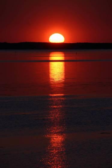 サロマ湖に沈む夕陽 栄浦から撮影(2008年)